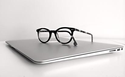 macbook-laptop-computer-technology-159417.jpeg